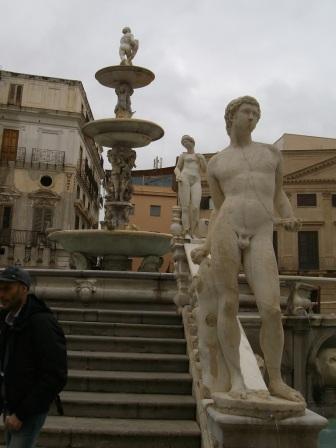 Fontana P.zza Pretoria - Palermo