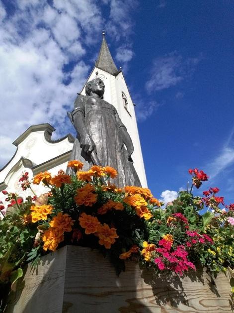 Statua di Caterina Lanz San Vigilio di M.