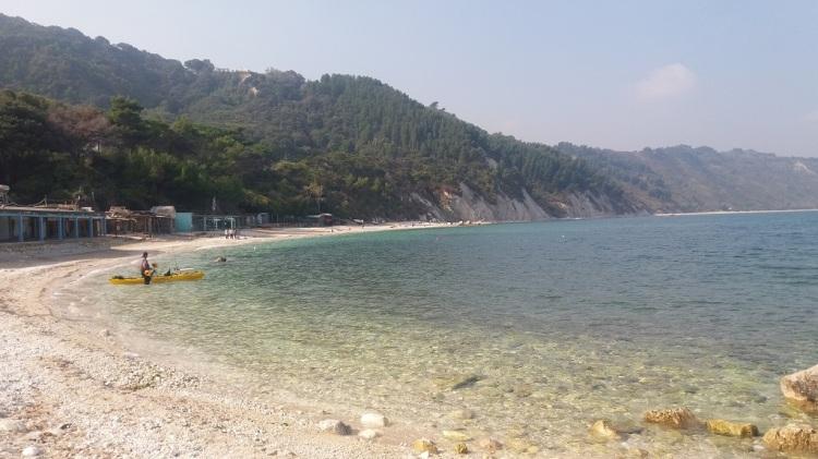 Spiaggia lato molo - Portonovo