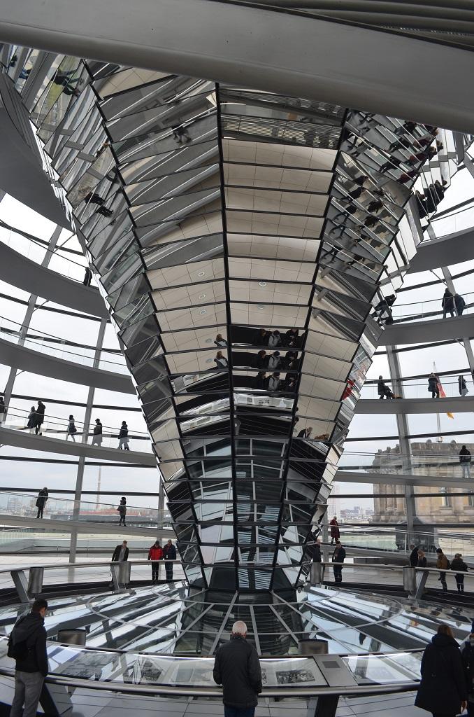 Interno della cupola Reichstag - Berlino
