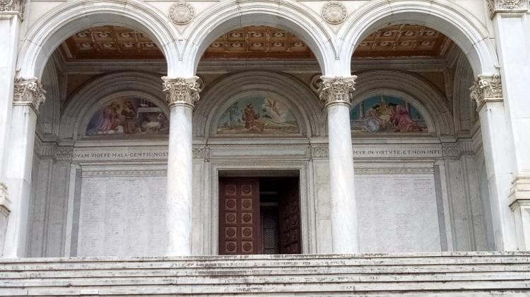 Entrata Duomo di Massa