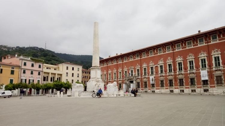 Piazza degli Aranci - Massa
