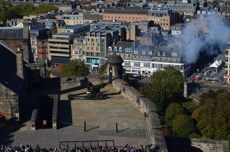 ore 13 dal castello di Edimburgo