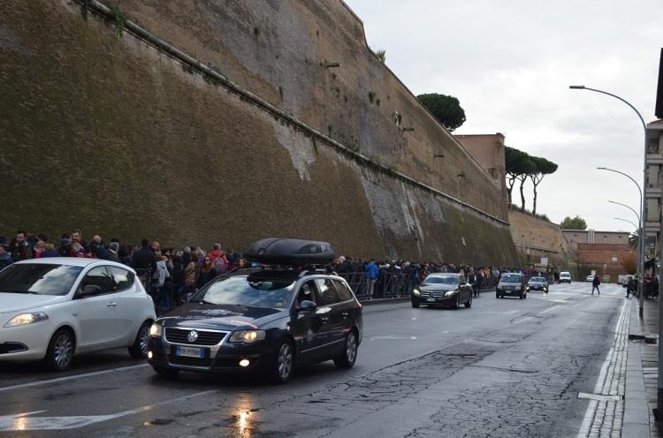 Fila per entrare ai Musei Vaticani