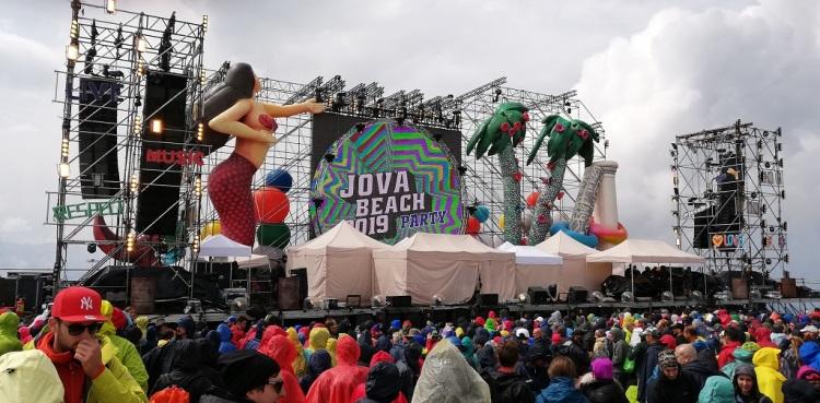 il palco prima del concerto