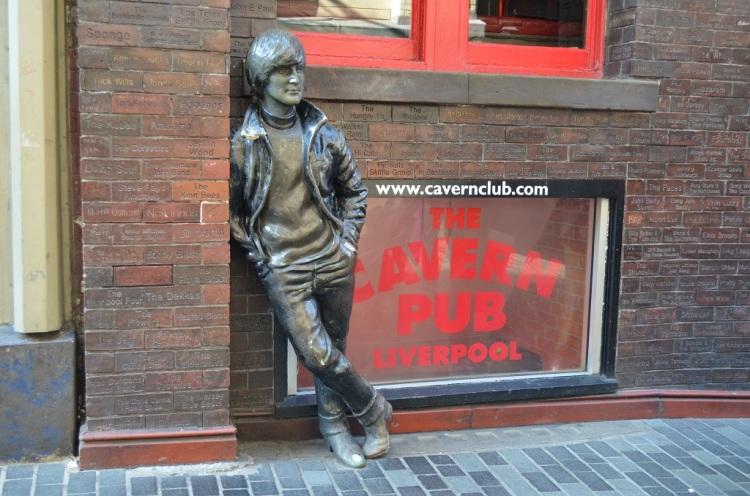 Statua di John Lennon - Liverpool