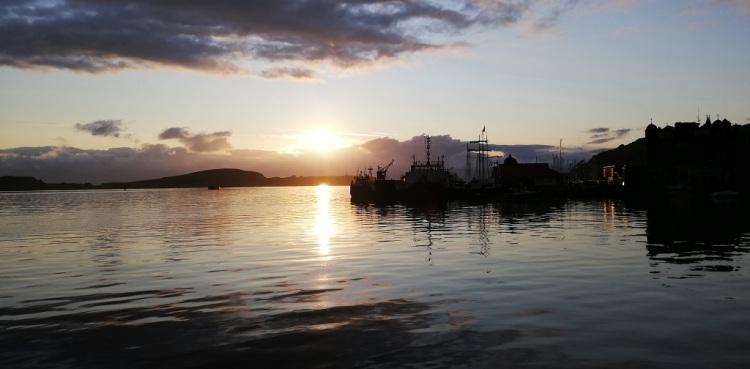 Tramonto sul porto di Oban
