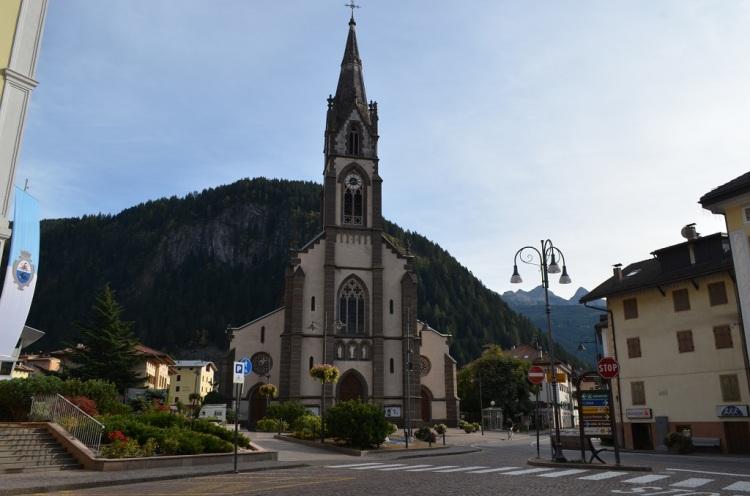 La chiesa dei Santi Filippo e Giacomo Predazzo