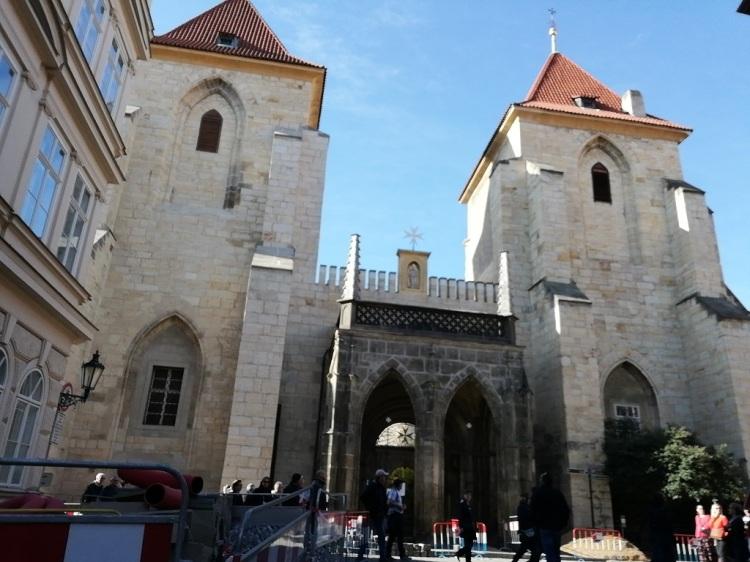 Chiesa di Santa Maria sotto la catena
