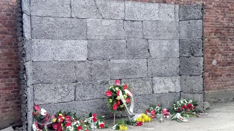 il muro delle fucilazioni - Auschwitz