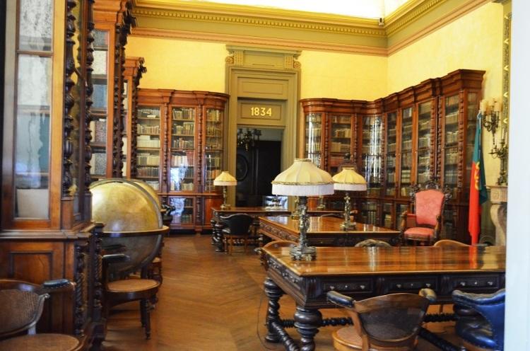 Biblioteca all'interno del Palácio da Bolsa - Porto