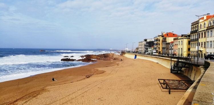 la spiaggia di Foz do Douro